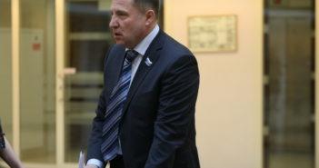 Свердловский бюджет треснет по швам, а выиграют судьи. Депутат Вегнер о проекте документа