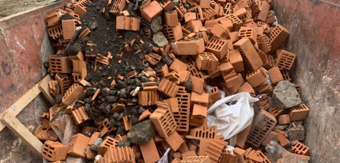 Труп под кирпичом. В Екатеринбурге погиб рабочий на стройке