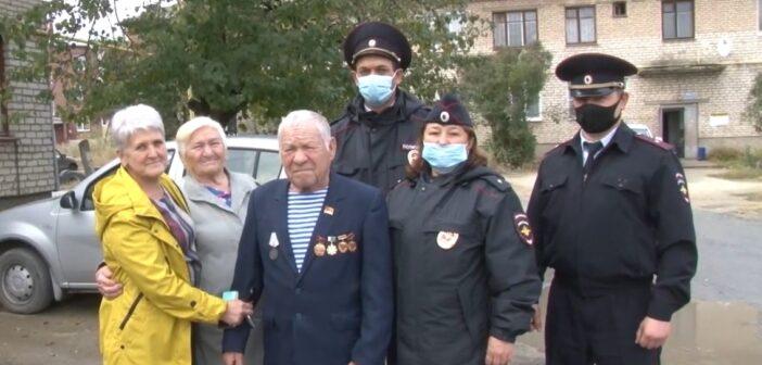 Три десятка уральских полицейских искали пожилого грибника. Он пообещал больше не теряться